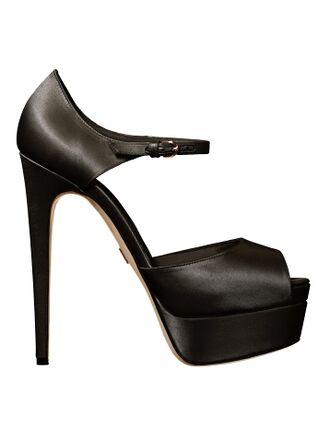 File:Brian Atwood - Tribeca sandal 002.jpg