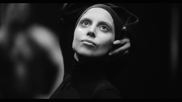 File:Applause Music Video 029.jpg