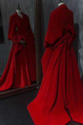 File:Yohji Yamamoto - Autumn-Winter 1995 Collection.jpg