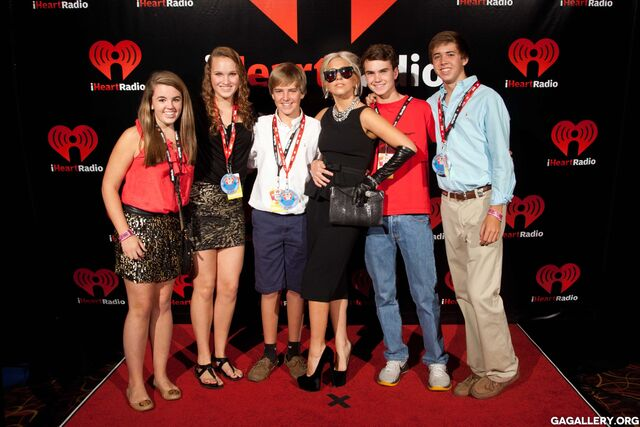 File:9-24-11 At iHeartRadio Music Festival - Backstage M&G 002.jpg