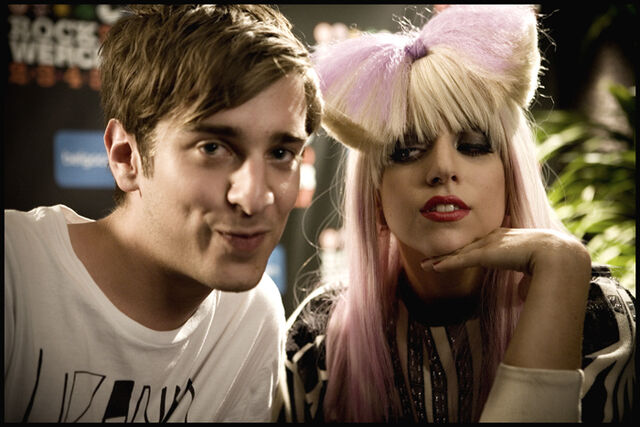 File:7-3-09 Gaga with fan.jpg