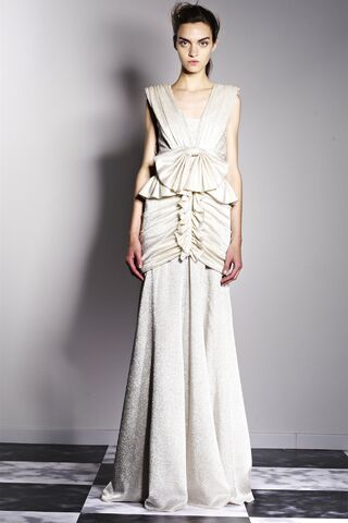 File:Viktor & Rolf - 2013 Resort Collection.jpg