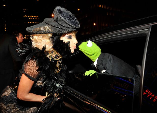 File:9-13-09 Arriving at MTV VMA's 002.jpg