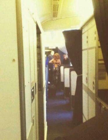File:8-27-13 Flying to London 001.jpg