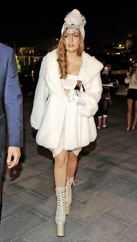 File:8-29-12 Arriving at Bon Magazine Party in Stockholm 001.jpg
