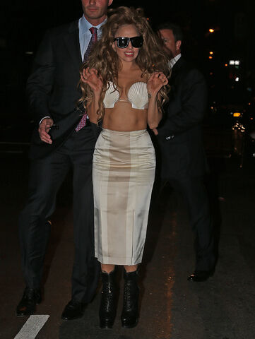 File:8-25-13 Arriving MTV VMA's After Party 001.jpg