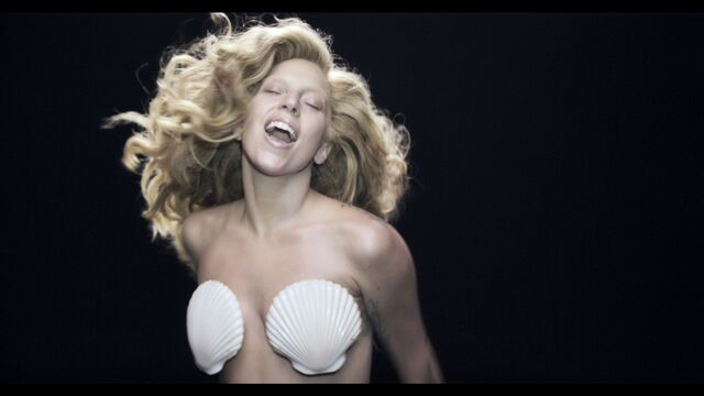 File:Applause Music Video 069.jpg