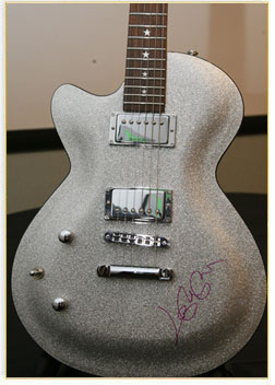 File:Daisy Guitar.jpg
