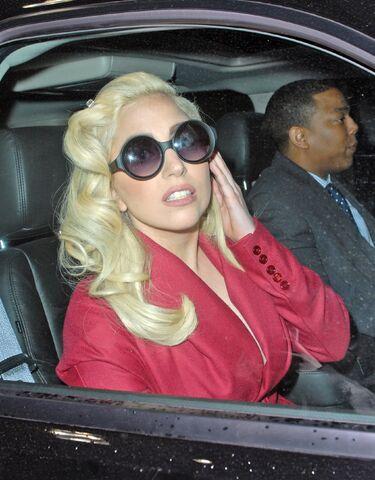 File:3-1-12 Leaving Hotel in NYC 001.jpg