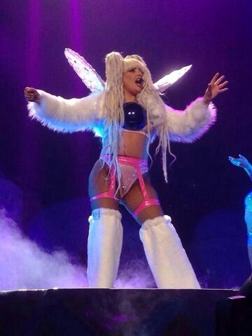 File:8-1-14 ARTPOP artRAVE The ARTPOP Ball 001.jpg