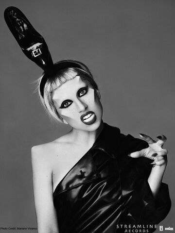 File:Born This Way USB - Mariano Vivanco 013.jpg