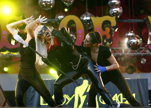 File:6-25-08 Performance at Isle Of MTV in Malta 002.jpg