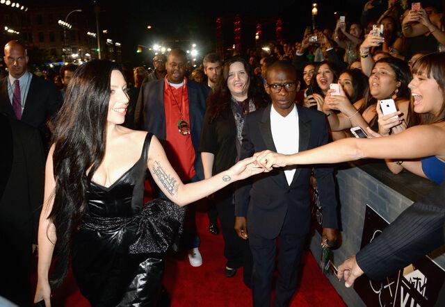 File:8-25-13 MTV VMA's Arrival 001.jpg