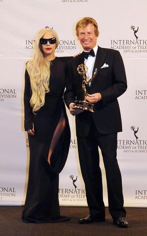 File:11-21-11 International Emmy's.jpg