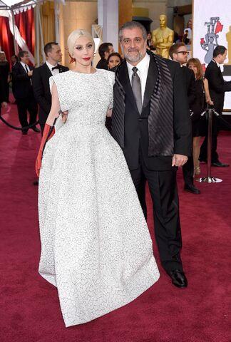 File:2-22-15 Oscars Red Carpet 001.jpg