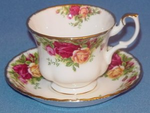 File:Tea Cup Gallery Old Country Roses China Tea Cup and Saucer.jpg