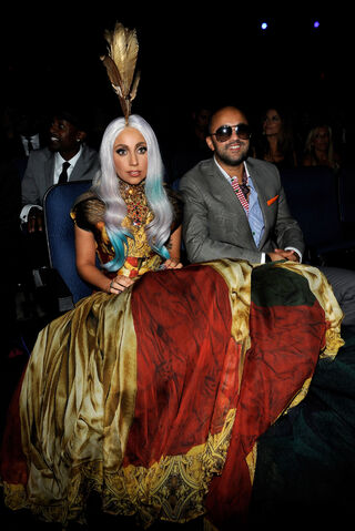 File:9-10-10 Gaga and Redone VMA 001.jpg