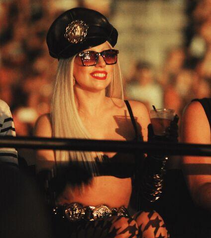 File:Attending Britney Spears' concert in Atlantic City (06-08-11).jpg