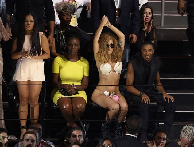 File:8-25-13 MTV VMA's Audience 003.jpg