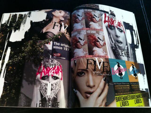 File:Super Lady Gaga 039-040.jpg