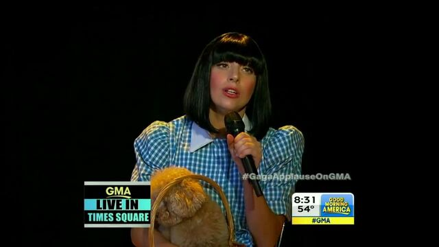 File:9-9-13 GMA Performance 001.jpg