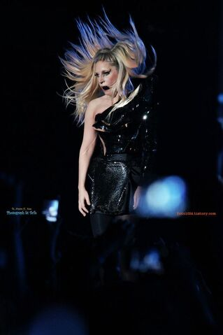 File:The Born This Way Ball Tour LoveGame 002.jpg