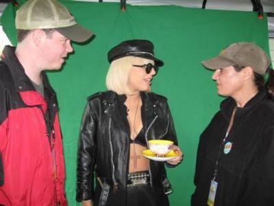 File:5-3-09 Backstage at Kiss 95.7 Summer Kickoff.jpg