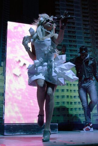 File:Doll Domination Tour Beautiful, Dirty, Rich 001.jpg