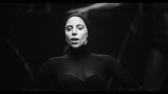 File:Applause Music Video 025.jpg