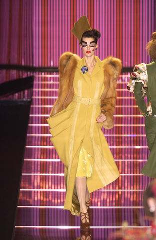 File:John Galliano - Fall 2003 Collection 002.jpg