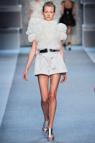 File:Karl Lagerfeld Spring 2010 RTW Short Sleeve Blouse.jpg