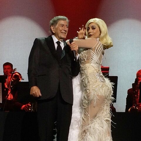 File:12-30-14 Cheek to Cheek Tour 012.jpg