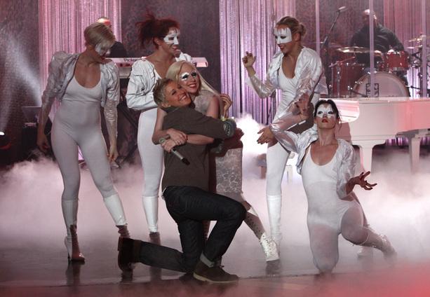 File:11-27-09 The Ellen DeGeneres Show 002.jpg