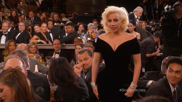 File:Golden Globes 2016 Live Screenshot 05.jpg