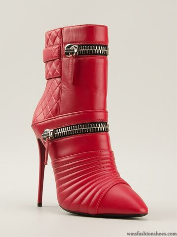 File:Giuseppe Zanotti - Zipped quilted ankle boots.jpg
