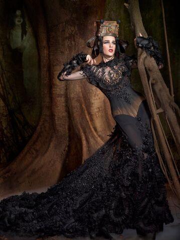 File:Tex Saverio Spring 2011 Black Dress.jpg