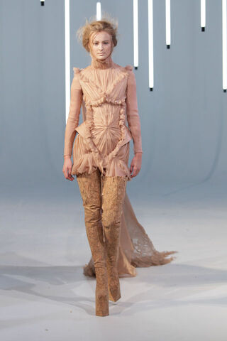 File:Jan Taminiau Fall 2011 Ruched Dress.jpg