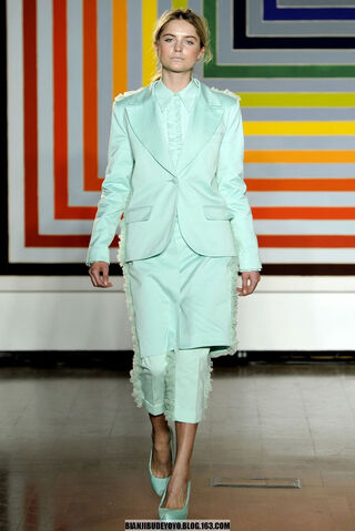 File:Fashion East Maarten Van Der Horst Spring Summer 2012 Suit.jpg
