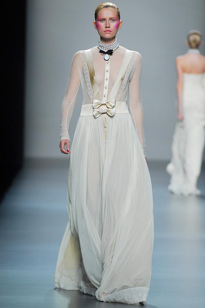 File:Lydia Delgado Spring 2011 Garden in Love collection dress.jpg