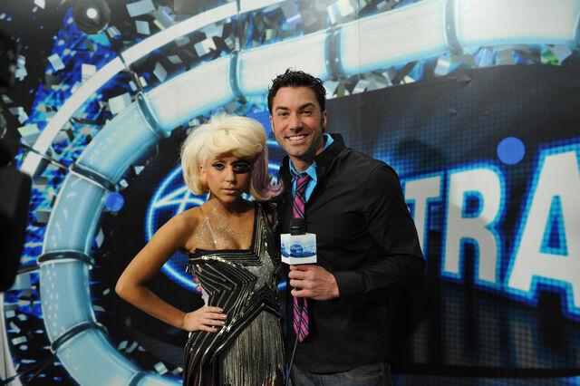 File:4-1-09 American Idol Interview 001.jpg