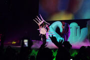 5-6-14 Mary Jane Holland - artRAVE The ARTPOP Ball Tour 002