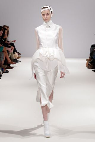 File:Masha Ma - Spring-Summer 2012 RTW Collection.jpg