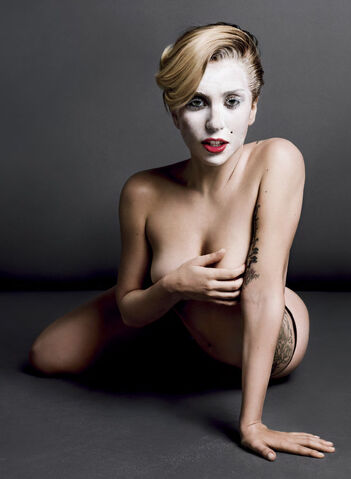 File:V Magazine No 85 version A 161.jpg