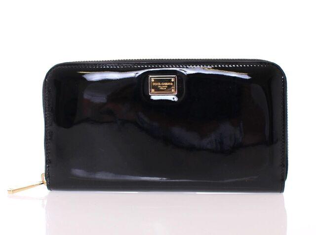File:Dolce & Gabbana - Clutch.JPG