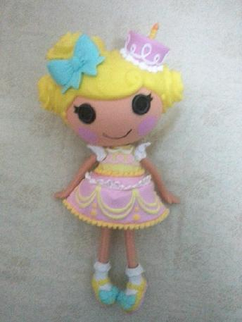 File:Candle Slice O'Cake doll - large core - preview leak.jpg