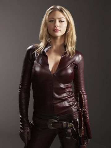 File:Tabrett-Bethell-Cara-Legend-of-the-Seeker-babes.jpg