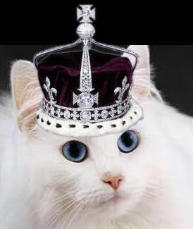 File:Snuffy Queen Royal.jpg
