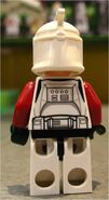 75021 Clone Trooper Captain (Back)