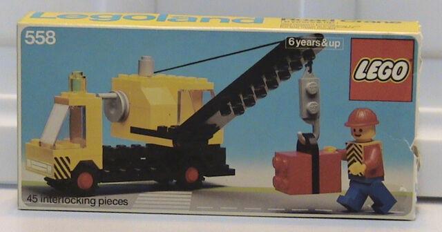 File:558 Road Crane.jpg