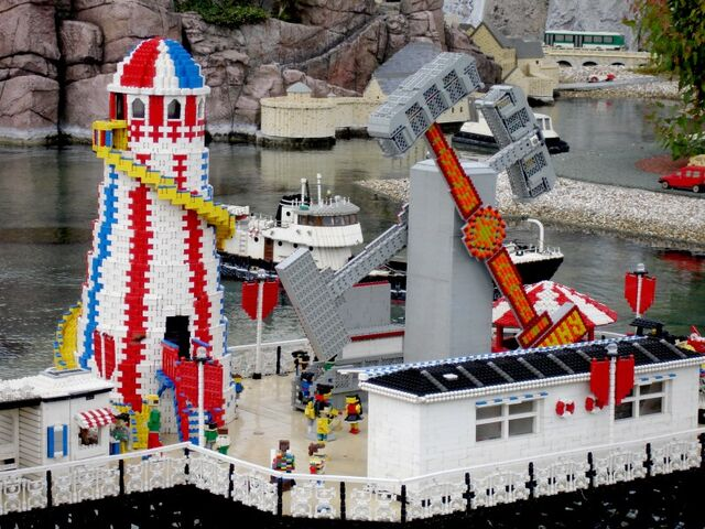 File:Lego Brighton Pier.jpg